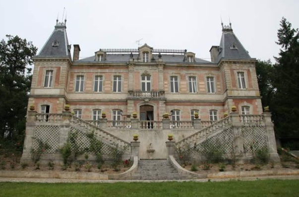 a beautiful french chateau